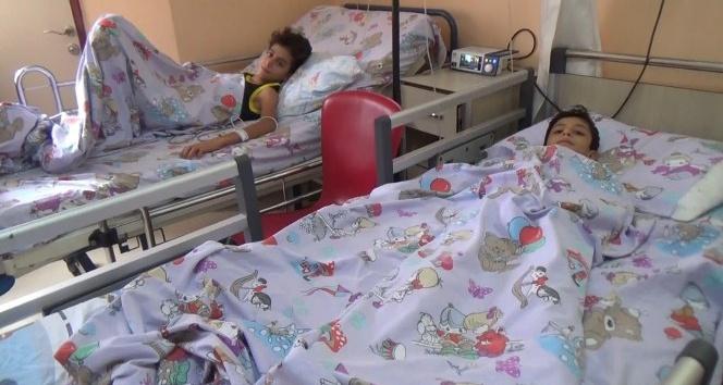 Kırıkhan'da 3 kardeş sobadan zehirlendi