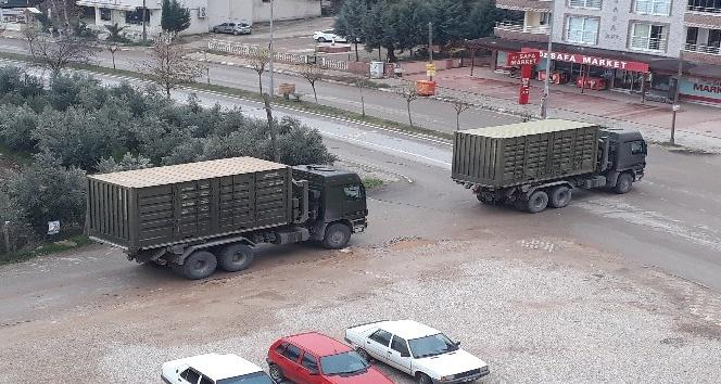 Hatay'dan askeri sevkiyat sürüyor