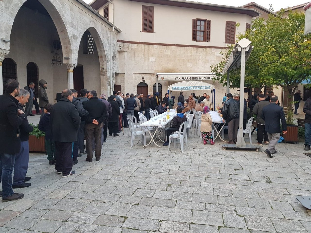 HABİB-İ NECCAR CAMİİ'DE SABAH ÇORBASI İKRAMI