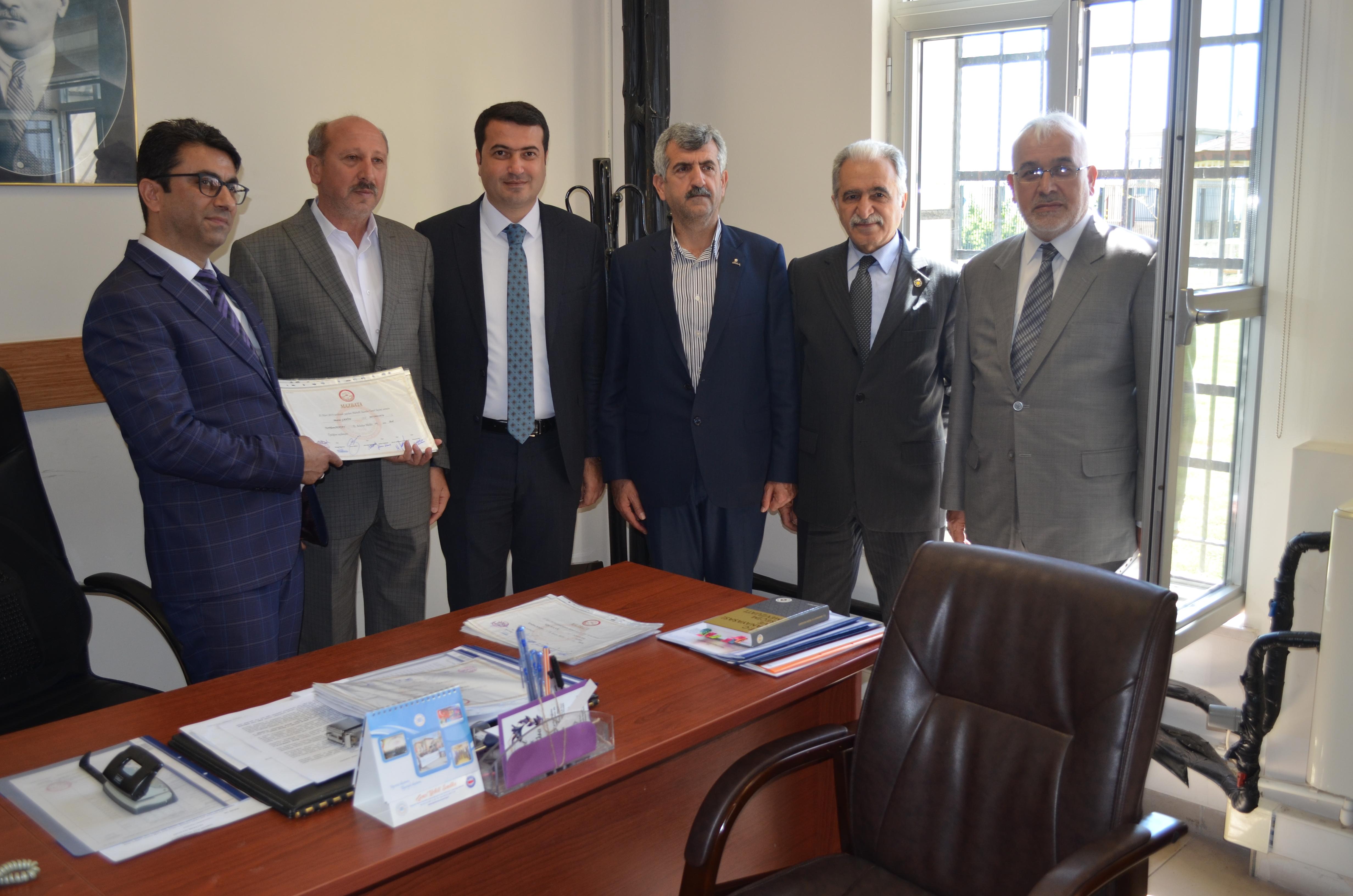 İyi Parti Kırıkhan Belediye Meclis Üyeleri mazbatalarını aldılar