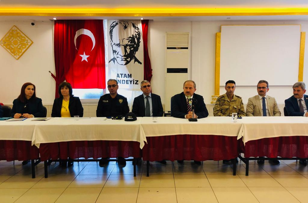 KIRIKHAN MAHALLE MUHTARLARIYLA TANIŞMA TOPLANTISI YAPILDI