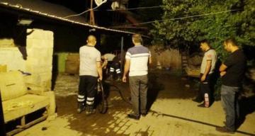 En acı kaza Fren yerine gaza basınca kızını ezdi