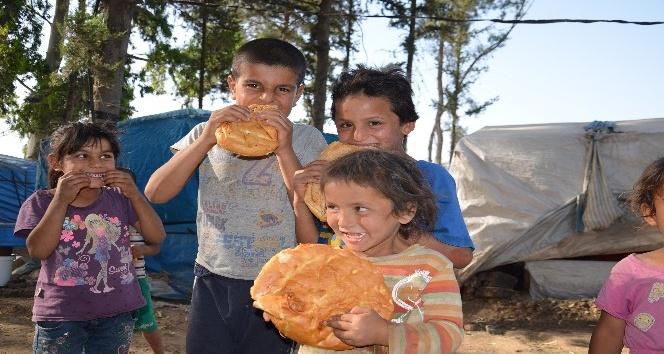 Türk Kızılayı'ndan Kırıkhan'daki Suriyelilere iftar