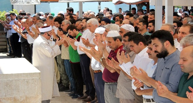 Hatay'da Mursi için gıyabi cenaze namazı kılındı