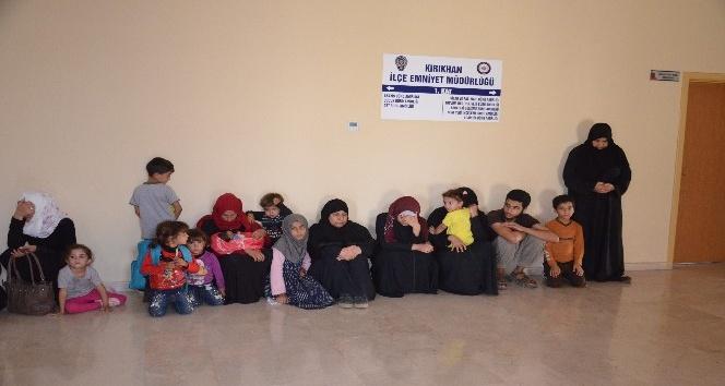 Kırıkhan'da 18 düzensiz göçmen yakalandı