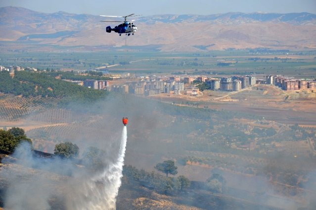 Kırıkhan'da çıkan yangında 50 hektarlık alan kül oldu
