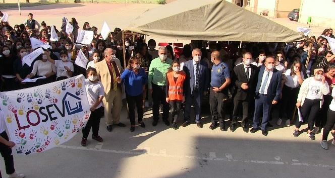 Samandağ'da öğrencilerden lösemili çocuklara destek