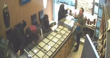 Peçeli hırsızları küçük çocuğun yüzü sayesinde yakayı ele verdi
