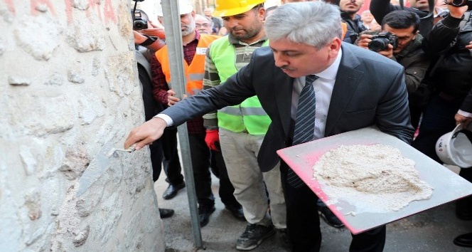 Hatay'da Kurtuluş Caddesi'nde tarihi yapılar yeniden canlandırılacak