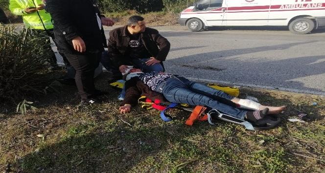Hatay'da kamyonet ve otomobil çarpıştı: 5 yaralı