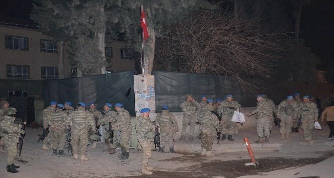 Kırıkhan'a askeri sevkiyat