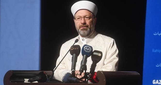 Diyanet İşleri Başkanı Erbaş 'Cami ve mescitlerde cemaatle namaza ara verildi'