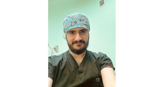 """Op. Dr. Ahmet Dilber """"Kilolu yüz görüntüsü yanak inceltme operasyonuyla düzeltilebilir"""""""