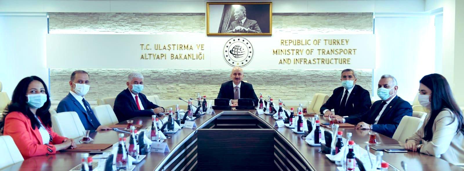 AK Parti Hatay Milletvekilleri Bakan Karaismailoğlu'nu ziyaret ettiler