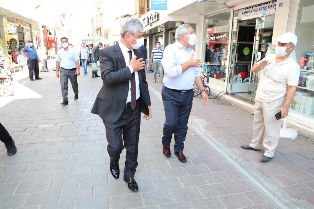 Vali Doğan Kırıkhan'da Covid-19 Denetimi Yaptı