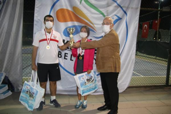 """""""Cumhuriyet Bayramı Tenis Turnuvasında İSTE yine Şampiyon Oldu"""""""