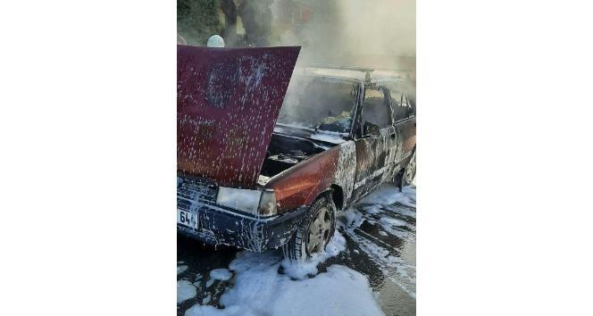 LPG'li otomobil alev aldı