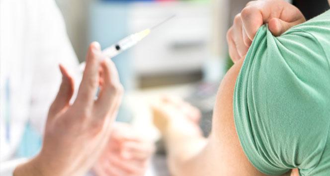 Sağlık Bakanı Koca, grip aşısının kimlere yapılacağını açıkladı