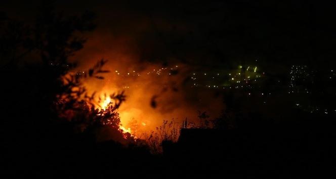 Hatay'daki yangın etkisini artırdı.Evler Boşaltılıyor
