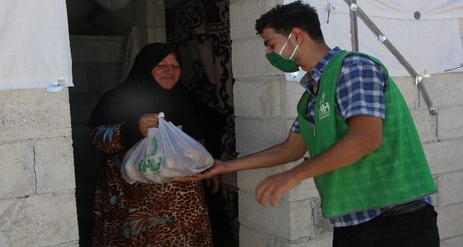 Suriye'de 4 bin aileye 200 ton patates dağıtıldı