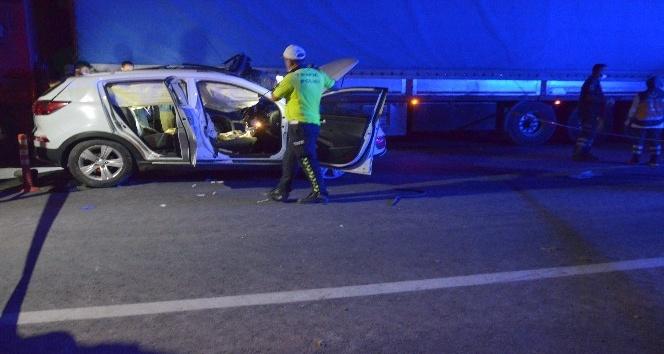 Kırıkhan'da tır cipe çarptı: 3 ölü, 2 yaralı