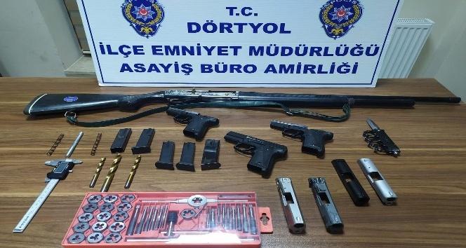 Kurusıkı tabancaları ateşli silaha dönüştüren şahıs yakalandı