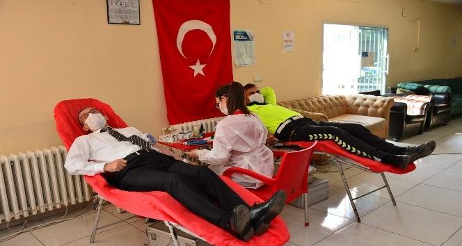 Hatay Emniyetinden Kızılay'a kan bağışı desteği