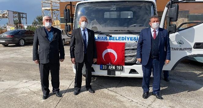 Gülnar'dan Mehmetçiğe gıda ve bere desteği