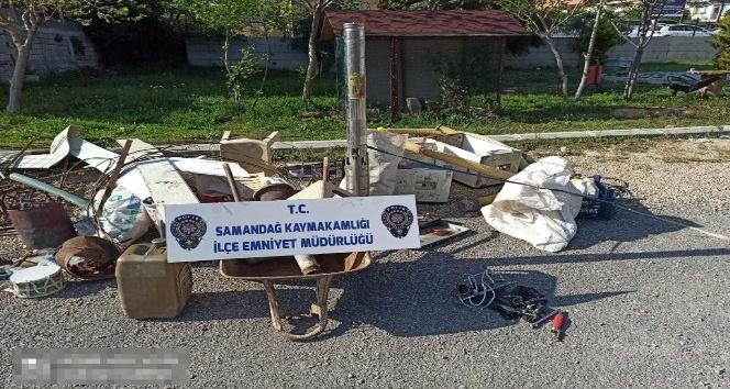 Evde yapılan aramada, 5 hırsızlık olayı aydınlatıldı