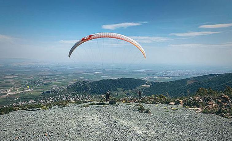 Ceylanlı'dan Paraşütler Tekrar Havalanmaya Başladı