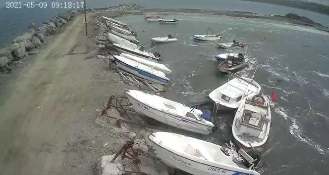 Oluşan gel-git balıkçı teknelerini sürükledi
