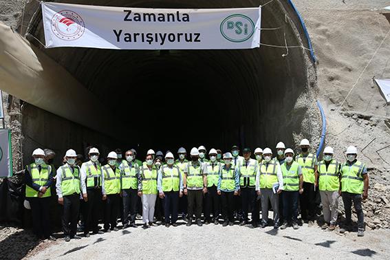 """Bakan Pakdemirli: """"Tünellerle Reyhanlı Barajı'na suyu taşıyıp üreticimizle buluşturacağız"""""""