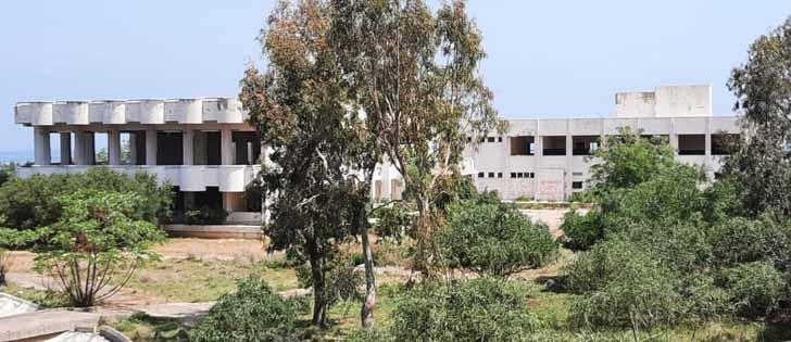 """Güzelmansur """" Arsuz'daki Karantina Merkezi Çürümeye Terk Edildi"""""""