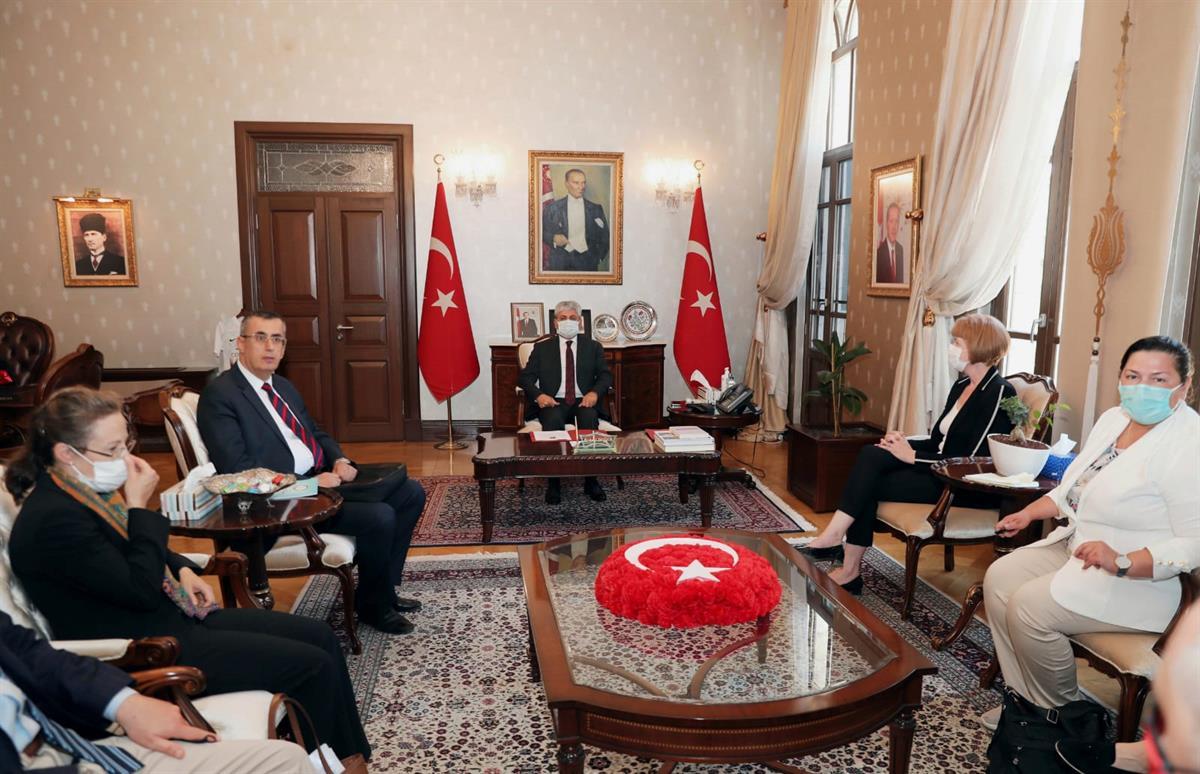 Birleşik Krallık Bakanı Wendy Morton'dan Vali Doğan'a Ziyaret