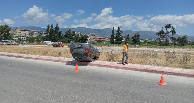 Virajı alamayan otomobil takla attı, sürücüsü yaralandı