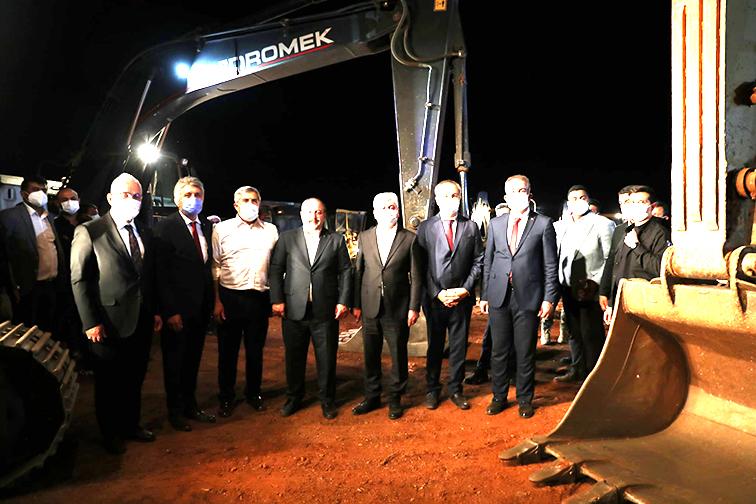 Sanayi ve Teknoloji Bakanı Varank Kırıkhan'da İncelemelerde bulundu