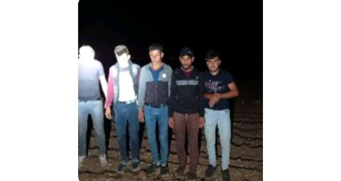 Polisten kaçan araçtan 5 mülteci çıktı