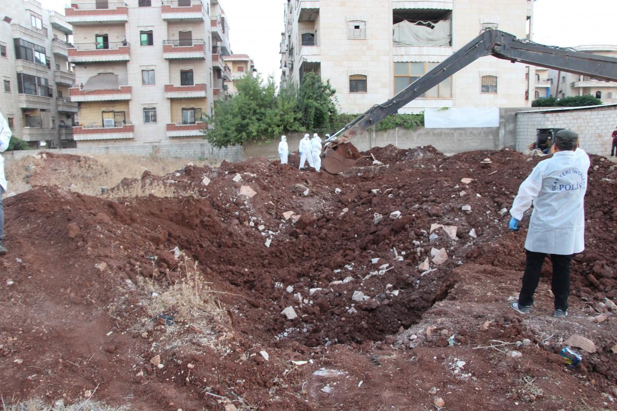 PKK/YPG/PYD'nin infaz ettiği 35 kişinin iskeletleri bulundu