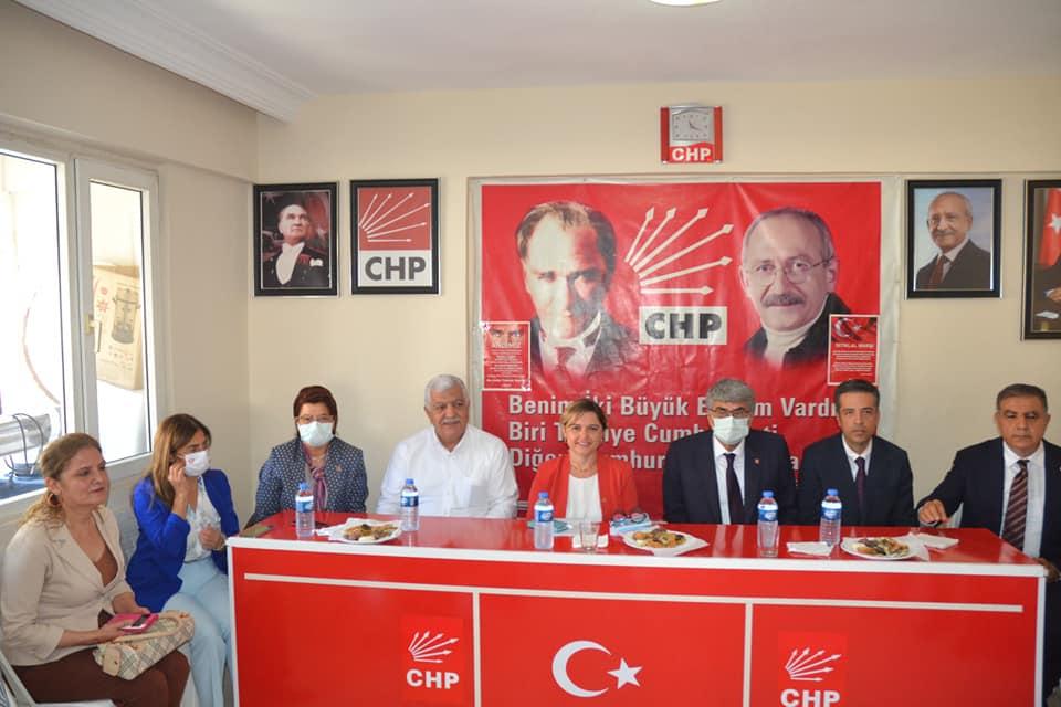 CHP GENEL SEKRETERİ KIRIKHAN'DA ZİYARETLERDE BULUNDU