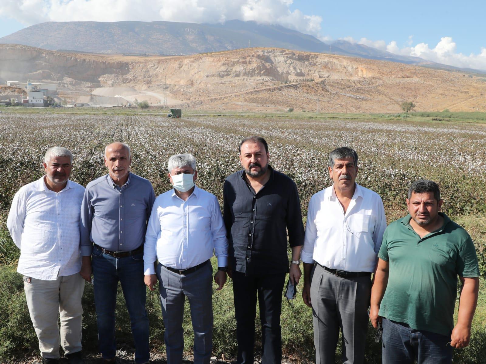 Vali Doğan, Kırıkhan'da Pamuk Hasadına Katıldı