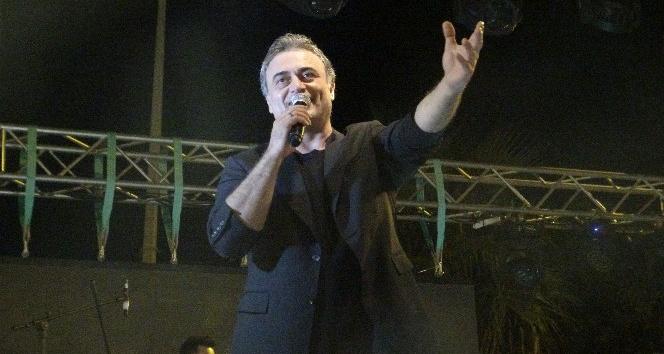 Kutsi Hatay'da halk konseri verdi