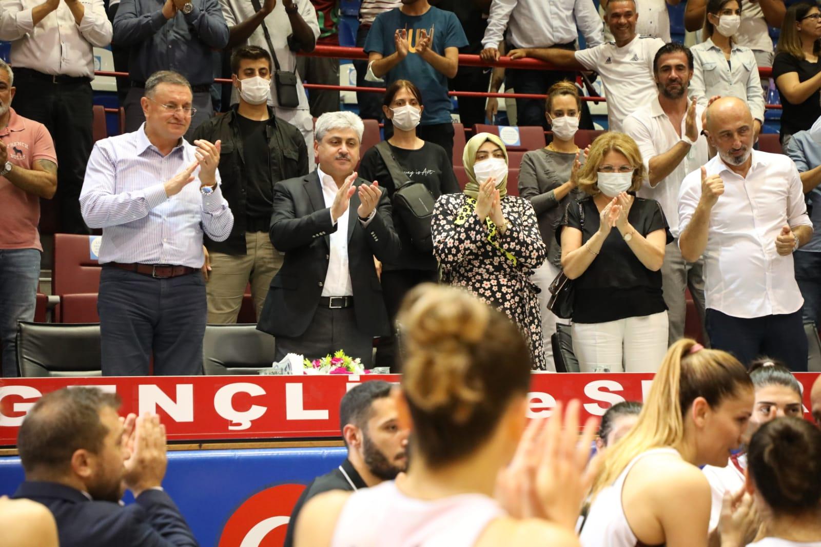 Vali Doğan'dan Hatayspor Kadın Basketbol Takımımıza Destek