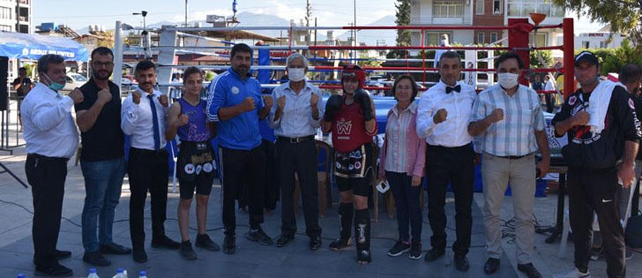 Muay Thai Hatay İl Şampiyonası Arsuz'da gerçekleştirildi